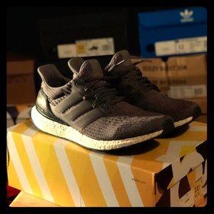 Adidas grey/black ultraboosts